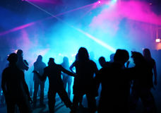 Silhouettes of dancing teenagers Royalty Free Stock Images
