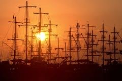 Silhouettes de bateaux La Turquie, Antalya Photographie stock