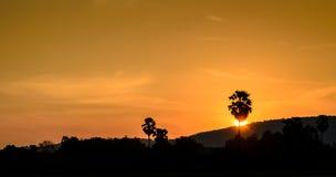 Silhouettes de colline Photo stock