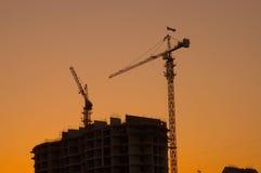 Silhouettes de grue de construction de Chambre Photo libre de droits