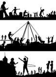 Silhouettes de premier plan de terrain de jeu Images libres de droits