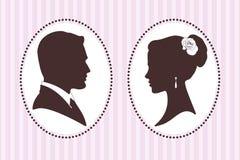 Silhouettes de vecteur de marié et de jeune mariée Images stock