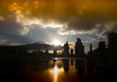 Silhouettes de ville de Moscou de fond de gratte-ciel image stock