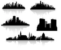Silhouettes de ville réglées Images libres de droits