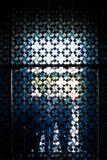 Silhouettes derrière un mur de verre, Cologne, Allemagne Photo stock