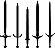 Silhouettes des épées médiévales Image libre de droits