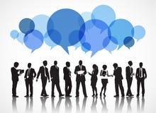 Silhouettes des gens d'affaires et des bulles de la parole illustration stock