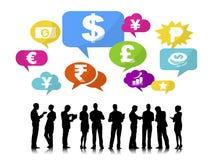 Silhouettes des gens d'affaires et des concepts de finances Photographie stock libre de droits