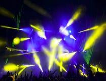 Silhouettes des gens et des musiciens Images stock