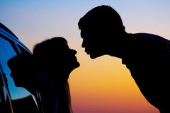 Silhouettes of kissing people Royalty Free Stock Photo