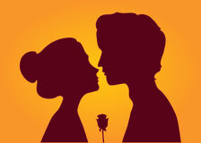 Silhouettes of loving couple Royalty Free Stock Photography