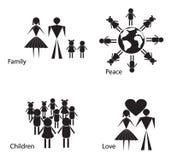 Silhouettes noires et blanches des personnes et des enfants Images libres de droits