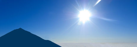 silhouetteteidetenerife vulkan royaltyfri fotografi