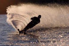 silhouettewaterski Arkivfoton