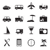 Silhouettez les icônes de voyage, de transport, de tourisme et de vacances Photos stock