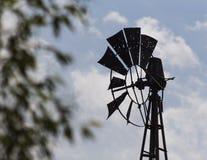 Silhoutte del mulino a vento antico Fotografia Stock Libera da Diritti