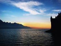 Silhoutte des Schlosses Sion stockbilder