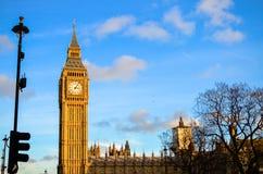 Silhoutte di un semaforo da Big Ben a Westminster Immagine Stock Libera da Diritti
