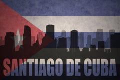 Silhueta abstrata da cidade com texto Santiago de Cuba na bandeira do cubano do vintage ilustração stock