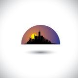 Silhueta abstrata da skyline da cidade com sol-ajuste  Fotos de Stock Royalty Free