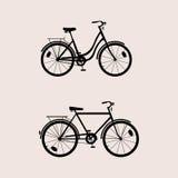 A silhueta bikes o preto Ilustração Stock