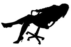 Silhueta com o trajeto de grampeamento da mulher na cadeira Foto de Stock Royalty Free