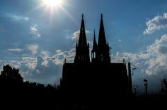 Silhueta da catedral da água de Colônia Fotos de Stock Royalty Free