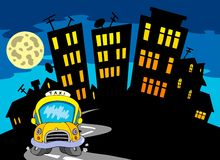 Silhueta da cidade com táxi e lua Foto de Stock