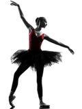 Silhueta da dança do dançarino de bailado da bailarina da jovem mulher Fotografia de Stock