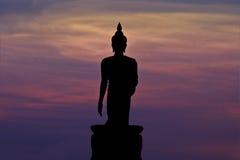 Silhueta da estátua de buddha fotografia de stock royalty free