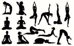 Silhueta da menina contratada na ioga Imagens de Stock