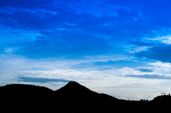 Silhueta da montanha Fotos de Stock