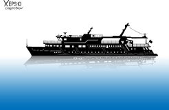 Silhueta da navigação turística do barco de prazer no rio com reflexão na água Fotos de Stock