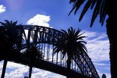 Silhueta da ponte do porto Fotos de Stock Royalty Free