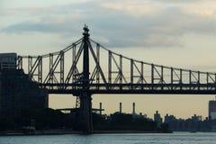 Silhueta da 59th ponte da rua Imagem de Stock Royalty Free