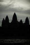 A silhueta de Angkor Wat em Siem Reap foto de stock royalty free
