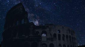 Silhueta de Colosseum com as estrelas do lapso de tempo video estoque