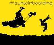 Silhueta de mountainboarding fotos de stock royalty free