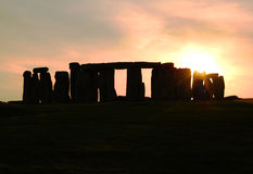 Silhueta de Stonehenge no por do sol Imagem de Stock