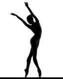 Silhueta de um balerina de levantamento imagens de stock