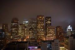 Silhueta do arranha-céus no crepúsculo Fotografia de Stock Royalty Free