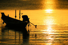 Silhueta do barco de vela Imagem de Stock