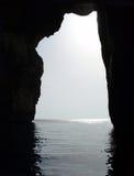 Silhueta do mar da rocha fotos de stock royalty free