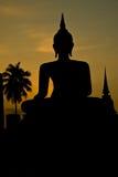 Silhueta do staue de buddha foto de stock royalty free