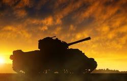 A silhueta do tanque Imagens de Stock