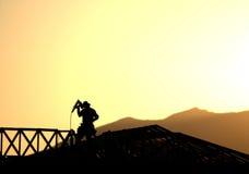 Silhueta do trabalhador da construção Foto de Stock Royalty Free