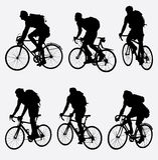 Silhueta dos motociclistas da montanha Imagem de Stock