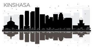 Silhueta preto e branco da skyline da cidade de Kinshasa com reflexão ilustração do vetor