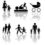 Silhuetas da família com sombra Imagens de Stock Royalty Free