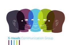 Silhuetas das cabeças humanas Grupo de pessoas que fala, togeth de trabalho Fotos de Stock